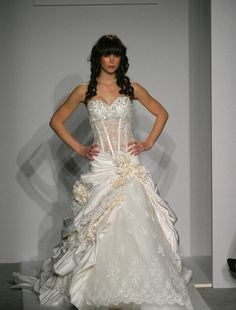 pnina tornai wedding dress- i want this when i get married must have pinina tornai