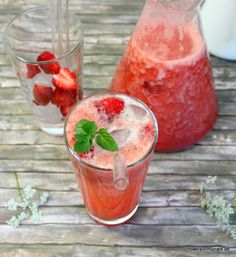 Erdbeer-Rhabarber Limonade mit Vanille (strawberry-rhubarb lemonade with vanilla)