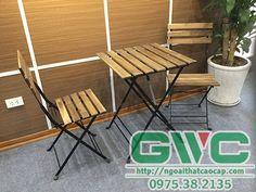 Bàn ghế ban công có nhiều loại với chất liệu, kiểu dáng, mẫu mã khác nhau nhưng phải có chung những đặc điểm đó là nhỏ gọn, đơn giản, chất liệu nhẹ và bền