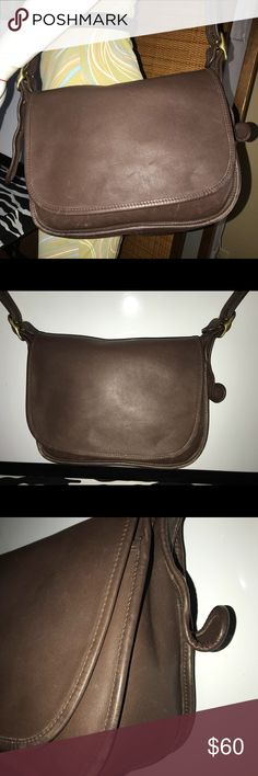 8cd18a53378 Vintage Coach City Brown Crossbody Flap Cover Bag Vintage Coach City Brown  Crossbody Bag .•