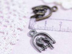 http://leche-handmade.com/?pid=24960159
