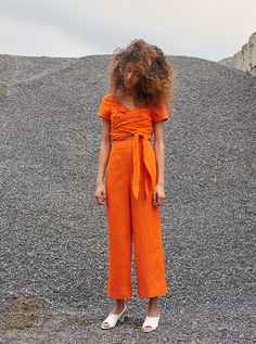 Mara Hoffman Resort 2018 Fashion Show Orange you glad that bright colors are forever?<br> The complete Mara Hoffman Resort 2018 fashion show now on Vogue Runway. Mara Hoffman, Fashion Mode, Fashion 2018, Fashion Brands, Fashion Weeks, Paris Fashion, Fashion Outfits, Orange Mode, Orange Style