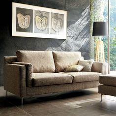 スペイン製ファブリックを贅沢に使用したソファ。シンプルなフォルムながら、上質で立体感のあるファブリックを使用することでラグジュアリーな雰囲気に。設置しやすいコンパクトなサイジングも魅力です。 Love Seat, Couch, Furniture, Home Decor, Settee, Decoration Home, Sofa, Room Decor, Home Furnishings