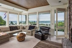 hope solo's seattle home living room