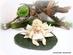 Jahreszeitentisch - Elfe auf Seerose Blumenkinder Jahreszeitentisch - ein Designerstück von susannelfe bei DaWanda