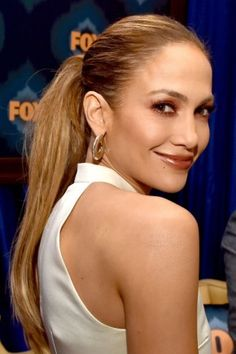 Jennifer Lopez Straight ponytail for summer
