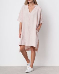Ilana Kohn Harry Dress in Blush Linen. From clean lines to neutral palettes, find you minimalist style with these stylish looks, made of basic and tailored pieces. minimal neutral style | minimal neutral outfit | minimal neutral simple | minimal neutral chic | minimalist nude style | minimalist nude chic