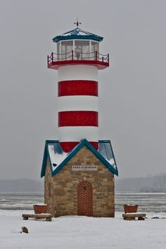 Snowy day at the Grafton, Illinois, lighthouse, located along the Mississippi river. Grafton is the oldest city in Jersey County, Illinois. It is located near the confluence of the Illinois and Mississippi Rivers. Lighthouse Lighting, Lighthouse Pictures, Beacon Of Light, Water Tower, Beautiful Places, Castle, Around The Worlds, Grafton Illinois, River