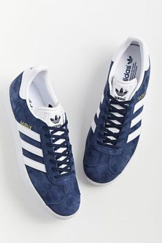 Addidas Shoes Mens, Adidas Sneakers, Adidas Classic Shoes, Adidas Gazelle, Sneakers Fashion, Men's Shoes, Urban Outfitters, Fashion Accessories, Fashion Inspiration