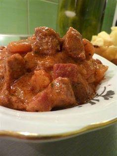 Kiskonyhám ízei: Zöldséges, vörösboros marhatokány Beef, Dishes, Chicken, Food, Meat, Tablewares, Essen, Meals, Yemek