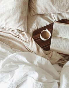 26 trendy breakfast in bed photography lazy morning coffee Lazy Morning, Lazy Sunday, Morning Coffee, Lazy Days, Morning Bed, Coffee In Bed, Coffee And Books, Coffee Coffee, Coffee Beans