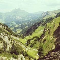 Mein Schweizer Sommer - von Bergen und Palmen - Reisetipps Bergen, River, Mountains, Instagram, Nature, Bucket, Outdoor, Swiss Guard, Tourism