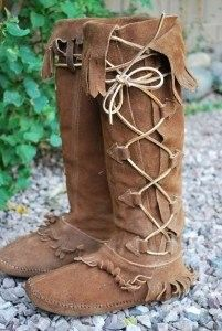 ADD THIS ITEM TO YOUR WATCH LIST Hip, TAOS TALL Hippie Moccasin Boots, Lace Up with Fringe. These Tall Taos Moccasins are in Excellent Condition!! :) • Excellent Condition - These boots are amazing.