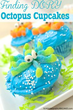 These adorable Octopus cupcakes would be perfect for a Finding Dory Birthday, A Finding Nemo Birthday or even just a fun Under the Sea Birthday. It's Ocean creatures at their cutest and tastiest. Finding Dory Cupcakes from SunshineandHurricanes.com Finding Dory Octopus, Finding Nemo, Snacks Für Party, Luau Party, Beach Party, Cupcake Wars, Cute Cupcakes, Ocean Cupcakes, Yummy Cakes