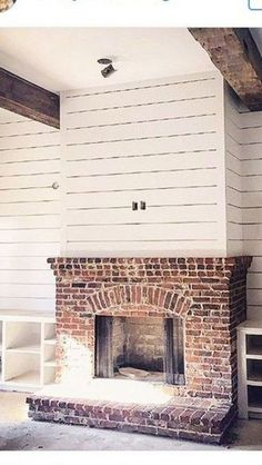 35 Gorgeous Natural Brick Fireplace Ideas (Part For the basement fireplace. Try one of these 35 Gorgeous Natural Brick Fireplace Ideas to. Basement Fireplace, Farmhouse Fireplace, Home Fireplace, Fireplace Design, Rustic Farmhouse, Farmhouse Style, Fireplace Ideas, Fireplace Brick, Fireplace Modern