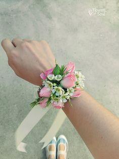Flowers of Soul: Bratari cu flori Design Floral, Crown, Flowers, Jewelry, Corona, Jewlery, Bijoux, Florals, Schmuck