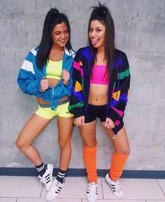 School just started, and Halloween is on your mind. Keep things spooky and sexy with these 15 hottest Halloween costume ideas for college girls. Halloween Outfits, Teenage Halloween Costumes, Best Friend Halloween Costumes, Trendy Halloween, Costumes For Women, College Costumes, 80s Party Outfits, Halloween College, Group Costumes