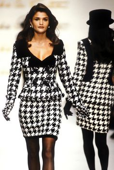 Helena Christensen - Oscar de la Renta Fall/Winter 1992