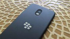 Geçtiğimiz günlerde BlackBerry'nin artık telefon üretimini tamamen bıraktığını sizlere aktarmıştık. İşin yazılım tarafına yönelen bir zamanların telefon devi BlackBerry, bundan böyle diğer şirketlere lisans vererek BlackBerry imzalı telefonlar ürettirecekti. Şu anda lisansı elinde...  #BlackBerry'Nin, #Detaylandı, #Orta, #Segment, #Telefonu, #Yeni http://havari.co/blackberrynin-yeni-orta-segment-telefonu-detaylandi/