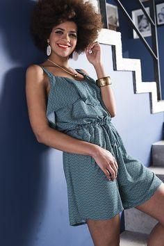 Nouvelle collection mode Printemps-Été Patron & tissus by Mondial Tissus #girly #fille #décontracté #tendance #fashion #mode #fabrics #tissu #tissus #couture #sewing #diy #doityourself #printemps #été #tenue #estivale #mondialtissus #mondial #tissus