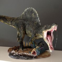 1/24 scale SPINOSAURUS Dinosaur model kit I built and painted. This is an amazing sculpt by Pegasus Hobbies.
