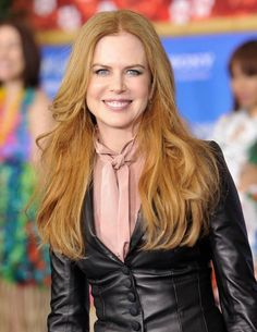 Red Hair Inspiration: 10 Celebrities Who Make Us Want to Be Redheads Nicole Kidman, Hollywood Actresses, Actors & Actresses, Redhead Hairstyles, Korean Hairstyles, Asian Hairstyles, Divas, Red Hair Inspiration, Emission Tv