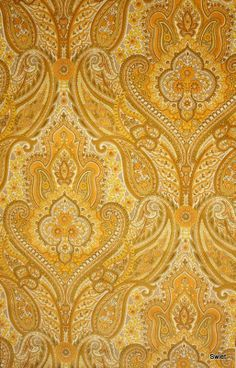 Behang | Vintage Paisley, This reminds me of my grandmothers wall paper, it was a soft felt velvet, she also had the color blue in a different room, I use to feel it all the time.  D