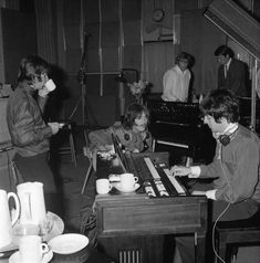 White Album Sessions (4 June 1968) Photo © beatles book photo library