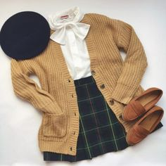 luv luv luv Aesthetic Fashion, Aesthetic Clothes, Cute Casual Outfits, Pretty Outfits, Mode Outfits, Fashion Outfits, Skirt Fashion, Vintage Outfits, Vintage Fashion