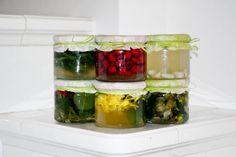 Kompozycje octów ziołowych Kitchen Recipes, Preserves, Pickles, Cucumber, Sushi, Detox, Food And Drink, Ethnic Recipes, Liqueurs