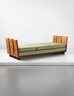 PHILLIPS : UK050213, GIO PONTI, Daybed #GISSLER #interiordesign