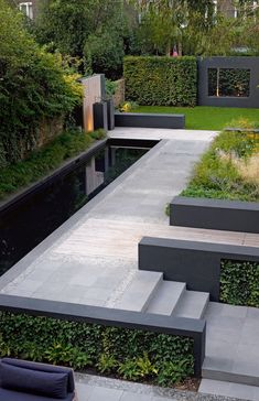 Having a pool sounds awesome especially if you are working with the best backyard pool landscaping ideas there is. How you design a proper backyard with a pool matters. Modern Backyard Design, Modern Landscape Design, Patio Design, Garden Modern, Contemporary Landscape, Garden Design Layout Modern, Contemporary Gardens, Modern Gardens, Backyard Designs