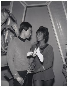 Vintage Photo of George Takei and Nichelle Nichols for Star Trek Promo Star Trek Cast, Star Trek Series, Star Trek Original Series, Tv Series, Nichelle Nichols, Star Trek 1966, Star Trek Episodes, Star Trek Images, Star Trek Characters
