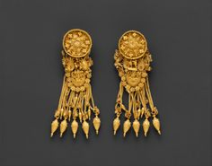 Hellenistic gold earrings, circa 300 B.C.E. ~ The fine detail of the earrings is incredible, especially if one realises the work was all done by hand without the tools available now.