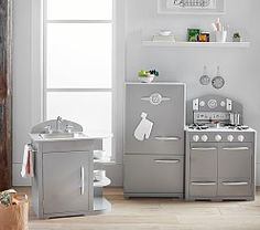 Kids Play Kitchens & Toy Kitchen Sets | Pottery Barn Kids