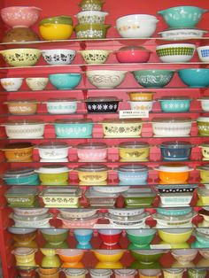 Vintage Pyrex •~• collection