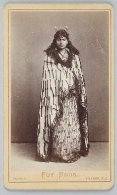 Maori woman wearing cloak, 1870s-1880s - Nga Toi | Foy Brothers [1872-1902 OR LATER] Photography