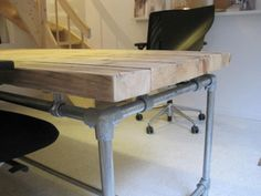 Bureau tafel dikke steigerplanken zwevend steigerbuis onderstel (20131245)