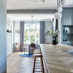 The raw steel elements give a good contrast to the wood. - Home Decor, Best Decoration İdeas, Designs Danish House, Dutch House, Riverside House, Wooden Ceilings, Beautiful Villas, Modern Kitchen Design, Colorful Decor, Interior Inspiration, House Ideas