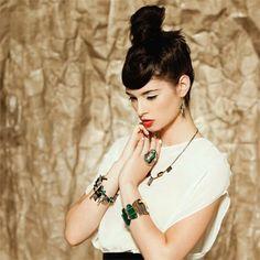 Anne-Marie Chagnon | Bijoux: Colliers, Bracelets, Bagues, Boucles d'oreilles