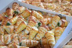 cornet salé apéritif aux crevettes, recette cornet salé apéritif feuilleté et croustillant farci aux crevettes idéal pour un buffet froid.