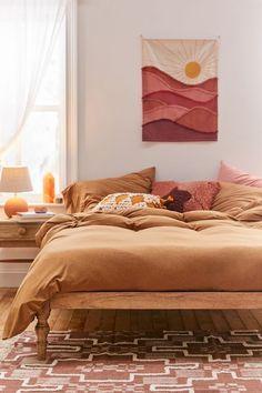 Warm Bedroom Colors, Earthy Bedroom, Fall Bedroom, Bedroom Red, Room Ideas Bedroom, Aesthetic Bedroom, Home Bedroom, Orange Bedroom Decor, Yellow Walls Bedroom