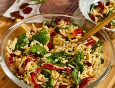 Orzo Salad with Spinach, Mushrooms, and Sundried Tomatoes