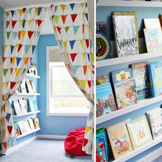 From cosy corners to sky-high hideaways, converted cupboards to tiny tepees - here are 11 brilliant book nooks and beautiful reading spaces. Kindergarten, Preschool Classroom, Classroom Decor, Reggio Classroom, Micro Creche, Book Nooks, Reading Nooks, Montessori Room, Home Daycare