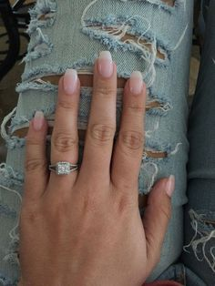 Semi-permanent varnish, false nails, patches: which manicure to choose? - My Nails Natural Acrylic Nails, Almond Acrylic Nails, Summer Acrylic Nails, Almond Nails, Natural Nails, Natural Looking Nails, Rounded Acrylic Nails, Classy Acrylic Nails, Diy Acrylic Nails