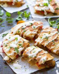 Quesadilla con queso Gouda, pimientos y hongos   Aquí tienes 15 platos que puedes preparar en 15 minutos