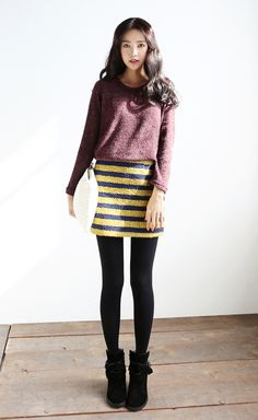 Striped skirt & cropped sweater | itsmestyle.com