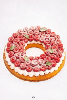Tarte framboises Lignac – Recette Benoît Couvrand Easy Smoothie Recipes, Easy Smoothies, Good Healthy Recipes, Snack Recipes, Cinnamon Cream Cheese Frosting, Cinnamon Cream Cheeses, Purple Drinks, Scones Ingredients, Coconut Smoothie