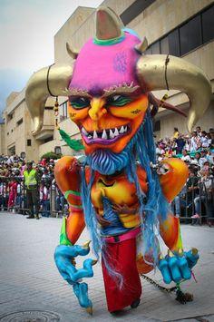 Desfile Magno Carnaval de Negros y Blancos Pasto, Nariño. 2014