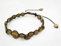 【蝋引き紐とメタルビーズのブレスレット】 民族ビーズがカッコいい <作り方の説明あり>  #アクセサリーの作り方 #蝋引き紐 #民族アクセサリー #beads  #idea  http://www.pron.jp/craft11.html